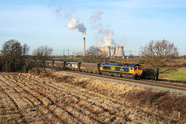 66708 passes Heck Ings on 6H09 08:45 Immingham HIT - Drax PS coal, 18/12/17 *Taken using a pole