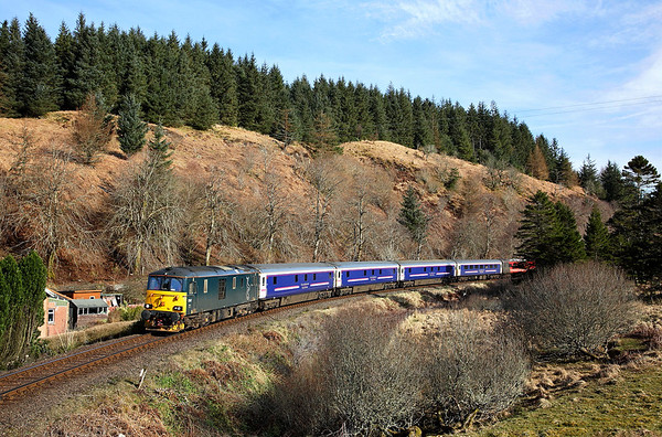 With a gentle run to Oban booked we easily manged a second shot. 73967 passes Achnalarig on the diverted 1Y11 04:50 Edinburgh - Oban 'Caledonian sleeper' 25/03/17 *Taken using a pole