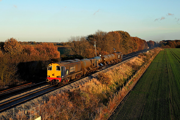 20305 and 20303 pass Heck Ings ona diverted 3S15 14:09 Hull - York Thrall Europa via Sudforth Lane sidings, 16/11/17