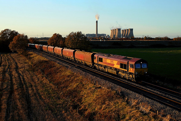 66063 passes Heck Ings on 6H33 12:45 Humber - Drax PS coal,; 16/11/17