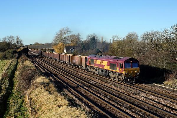 66181 passes New Barnetby on 6E53 08:14 Kellingley - Killingholme, 24/11/17 *Taken using a pole