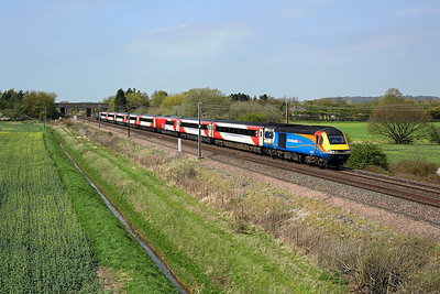 43075 passes Burn on 1Y86 14:05 York - LKX, 20/04/18 *Taken using a pole