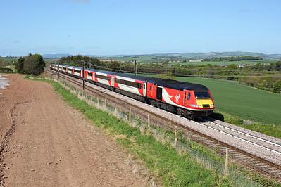 43314 passes Ayton on 1E09 08:30 Edinburgh - LKX, 16/05/18 *Taken using a pole