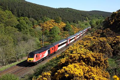43320 passes Penmanshiel on 1S16 12:00 LKX - Inverness, 16/05/18