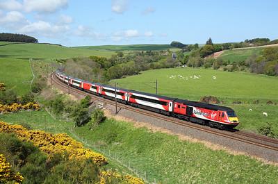 43274 passes Houndwood on 1E13 07:55 Inverness - LKX, 16/05/18