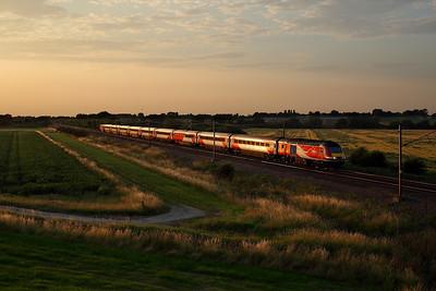 43314 glints as it passes Burn on 1E25 14:52 Aberdeen - LKX, 23/07/19