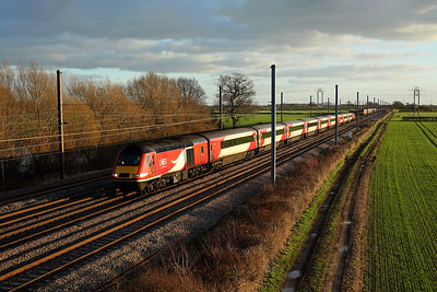 43295 passes Raskelf on 1N17 12:30 LKX - Newcastle, 01/01/19 *Taken using a pole