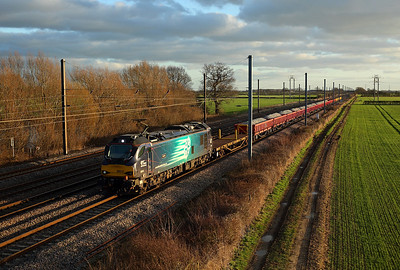 88010 passes Raskelf on 6S31 13:39 Doncaster Decoy - Millerhill engineers, 01/01/19 *Taken using a pole
