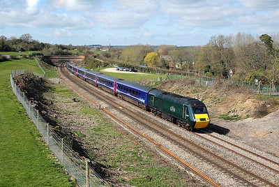 43098 passes Hungerford Common on 1A79 06:47 Penzance - LP, 26/03/19 *Taken using a pole