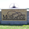 Muscatine sign on the riverfront  ( 2003 )
