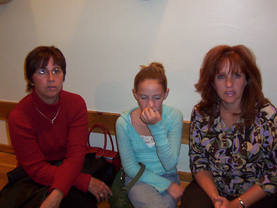 Lori, Jessica and Patti at the restaurant  ( 2004 )