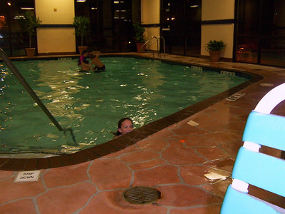 Jessica at the hotels pool  ( 2004 )