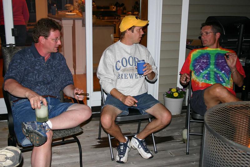 Jim Carrey, Todd and Bruce having a beer and cigar.  ( 2004 )