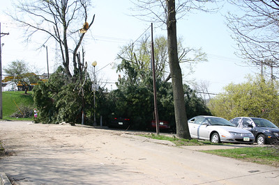 Apartment parking lot in Iowa City  ( 2006 )