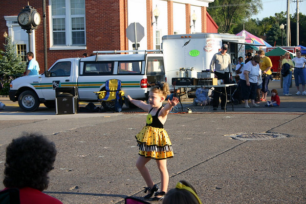 Stella performs in Wilton ( 2009 )