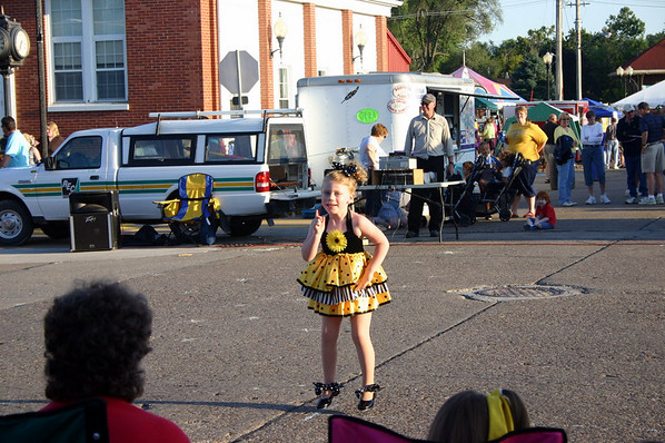 Stella dances in Wilton ( 2009 )