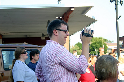 Stacy filming his tiny dancer Stella ( 2009 )
