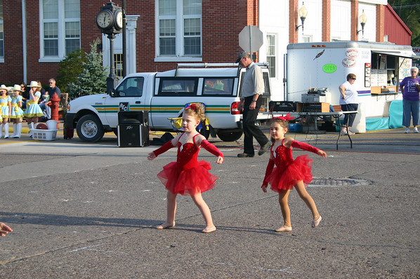 Stella dances ( 2009 )
