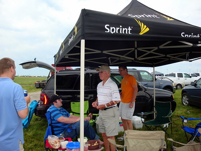 Todd, Jeff, Tom and Bruce tailgating before the race ( 2010 )