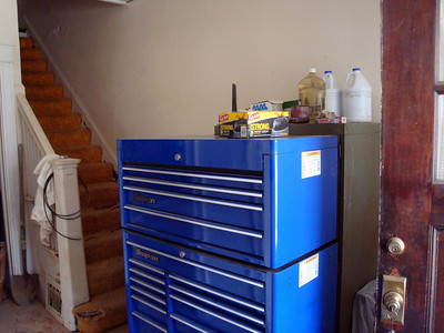 The toolbox right in the hallway ( 2010 )