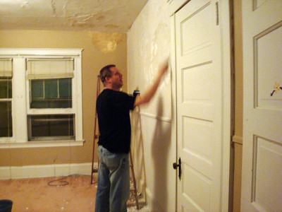 Todd working on the plaster in the bedroom ( 2010 )