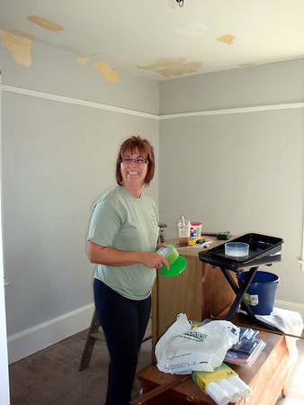 Lori gets ready to paint her walk-in closet ( 2011 )