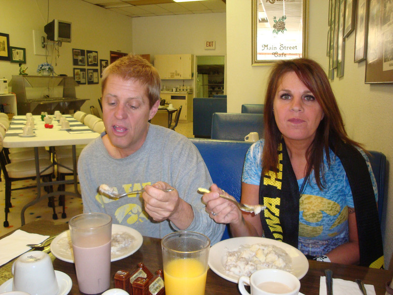 Mark and Cindy have breakfast at Ruthie's in Nashua on the way to Minnesota ( 2011 )