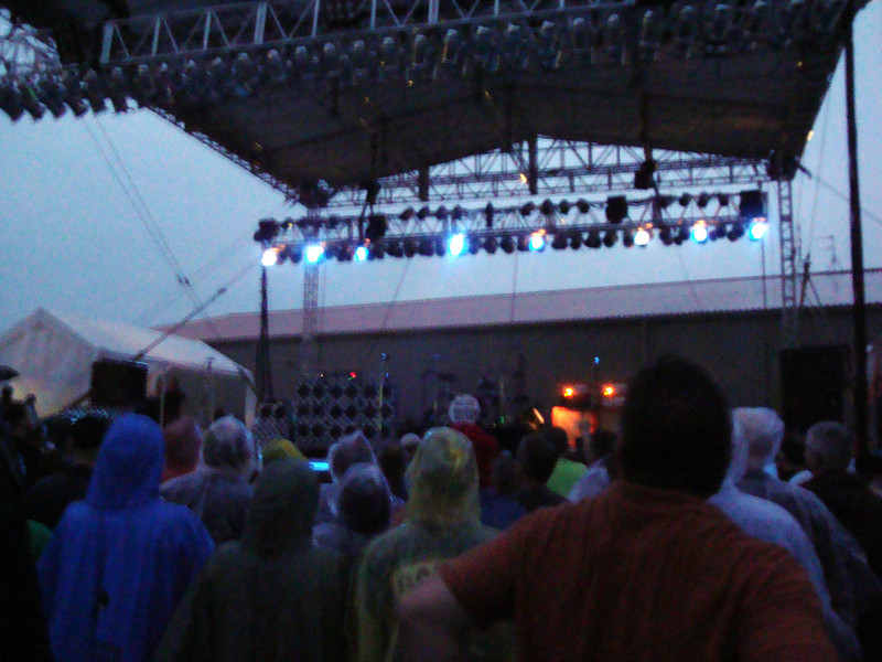 It's a rainy night for Cheap Trick at Riverside ( 2012 )