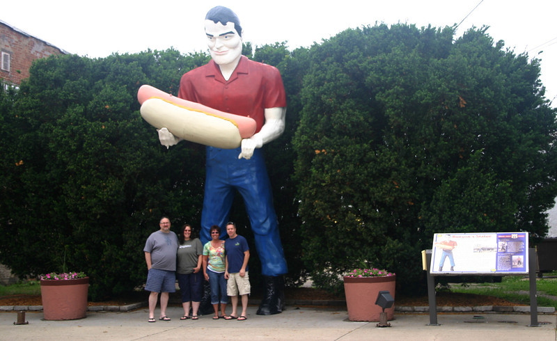 A road side attraction on Route 66 in Altanta, IL ( 2014 )