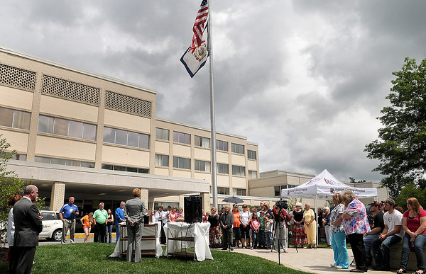 Raleigh General Hospital held a dedication ceremony for their Memorial Fountain on Thursday afternoon. F. Brian Ferguson/The Register-Herald