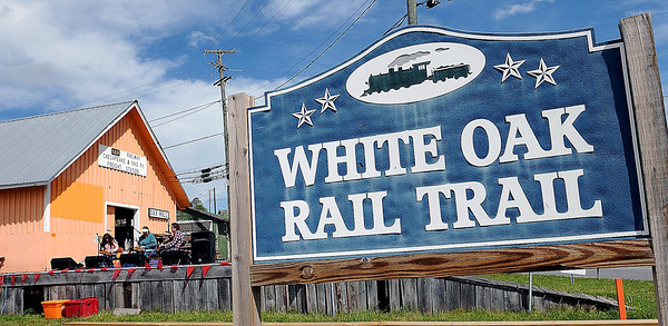 F. BRIAN FERGUSON/THE REGISTER-HERALD=Great weather was in the air during Saturday's Grand Opening of the White Oak Depot Artisan Gallery and Heritage Center.