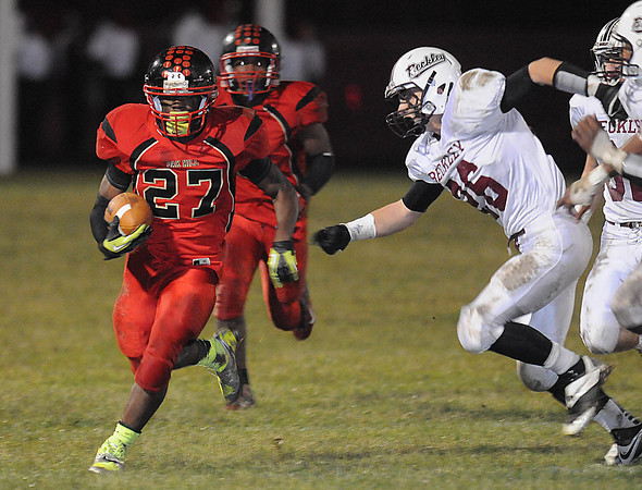Oak Hill Red Devils vs Woodrow Wilson Flying Eagles at Oak Hill High School Friday Night.<br /> Rick Barbero/The Register-Herald