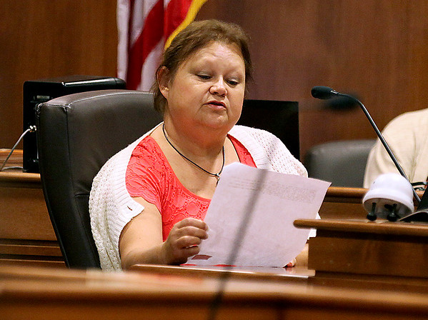 Brad Davis/The Register-Herald<br /> Johanna McDermott, mother of defendant Donald Dunn, reads the suicide note that Dunn allegedly wrote in her name aloud to the jury during her testimony Tuesday afternoon in Raleigh County Circuit Court.