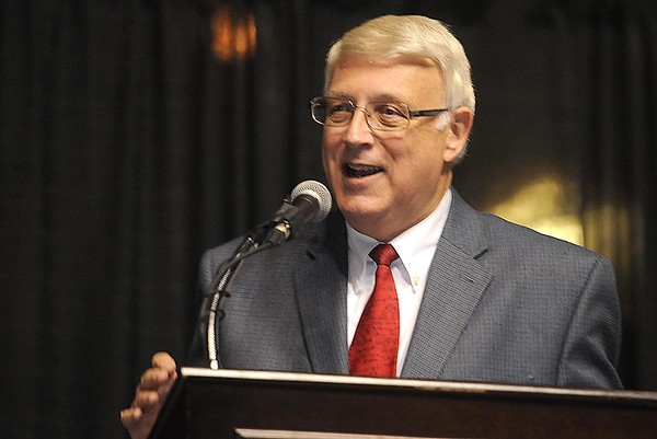 Rick Barbero/The Register-Herald<br /> Bill O'Brien, master of ceremony, speaks, during the Spirit of Beckley Community Service Award Banquet held at the Beckley-Raleigh County Convention Center Monday night.