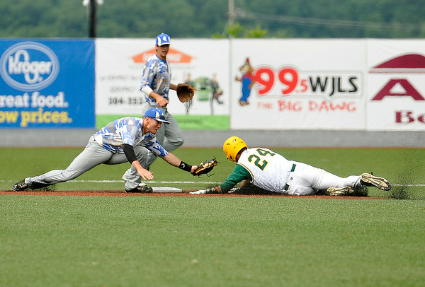 West Virginia's David Martinelli steals 2nd base during the Miners' 5-2 win over the Champion City Kings June 22 at Linda K. Epling Stadium.<br /> Brad Davis/The Register-Herald