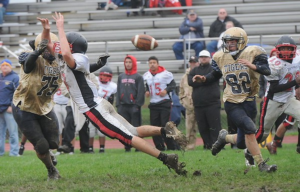 Rick Barbero/The Register-Herald<br /> Shady Spring vs Oak Hill at Shady Spring High School Saturday afternoon.