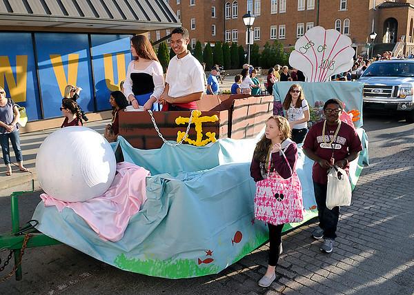 Brad Davis/The Register-Herald<br /> Woodrow Wilson Homecoming Parade, October 7 2015.