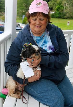 Brad Davis/The Register-Herald<br /> Cindy Worley and her dog Dudley wait for the start of the Kid's Classic Pet Pageant Sunday afternoon at the Youth Museum.