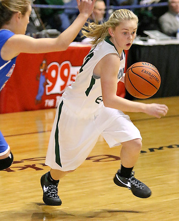 Brad Davis/The Register-Herald<br /> Wyoming East's Jasmine Blankenship drives Thursday night at the Beckley-Raleigh County Convention Center.