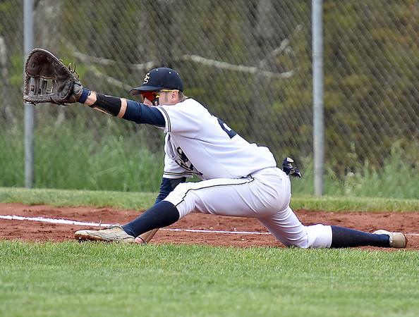 (Brad Davis/The Register-Herald) Shady Spring first baseman Austin Wood against Oak Hill May 7 in Shady Spring.