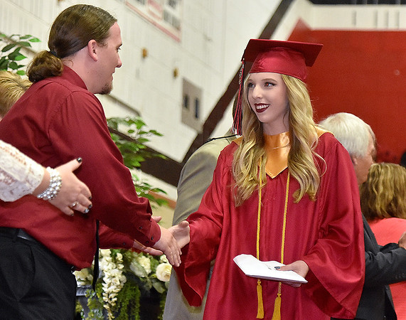 (Brad Davis/The Register-Herald) Oak Hill High School 2016 Commencement.