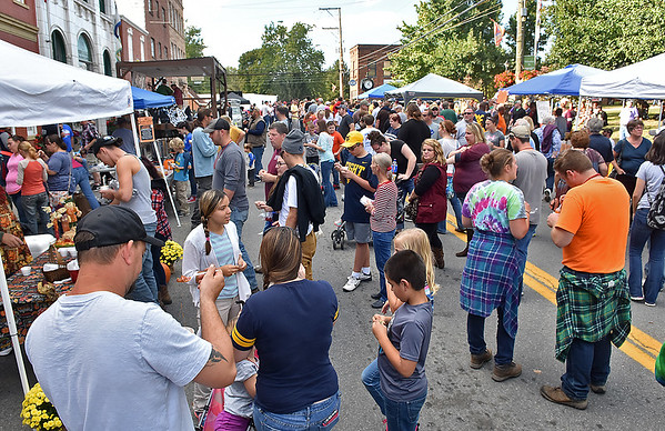 (Brad Davis/The Register-Herald) Court street in Fayetteville was packed for their chili cook-off Saturday afternoon.