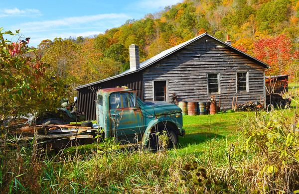 Monroe County fall foliage farm Scene on Second Creek Road in Second Creek.