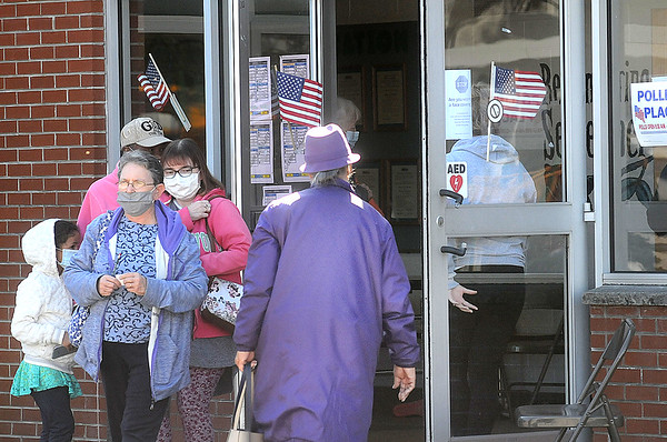 A line of voters enters and exits the polling place in Lewisburg.<br /> T. Paige Dalporto/for the Register-Herald