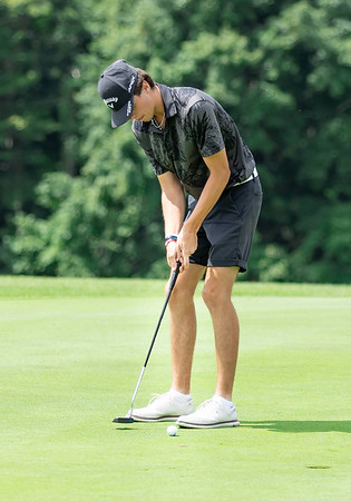 Todd Duncan putting for a Birdie on hole 12 at Grandview Country Club during the First round of the Mountain State Classic Golf Tournament.<br /> Tina Laney/for The Register-Herald
