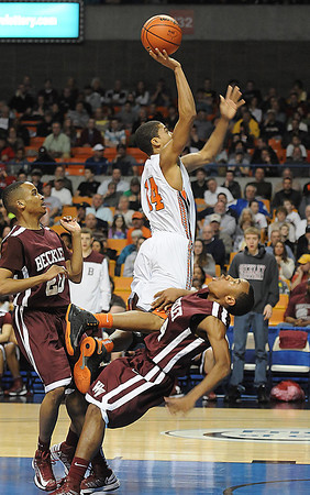 Woodrow Wilson vs Martinsburg in the Boys State AAA Championship game at the Charleston Civic Center Saturday night.<br /> Rick Barbero/The Register-Herald