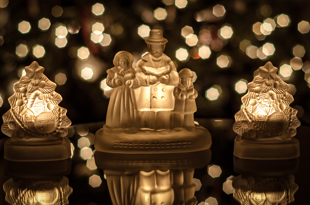 Christmas Carolers Candles