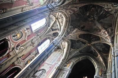 Потолок храма - очень впечатлительно.