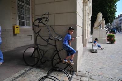 Памятник Швейку. Вроде он был в Городе по книге.