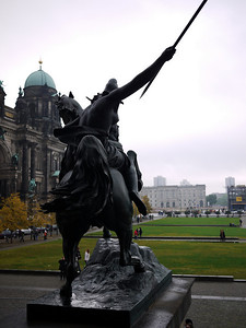 Frightful statues are par for the course in Berlin. http://www.byvic.com/Travel/Berlin-Oct09/Friday/berlin1-011/705829715_VpKHS-L.jpg